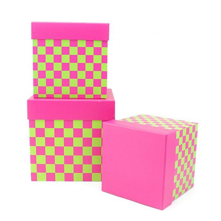 Коробка Веселые шахматы Фуксия квад 16,5*16,5*16,5см